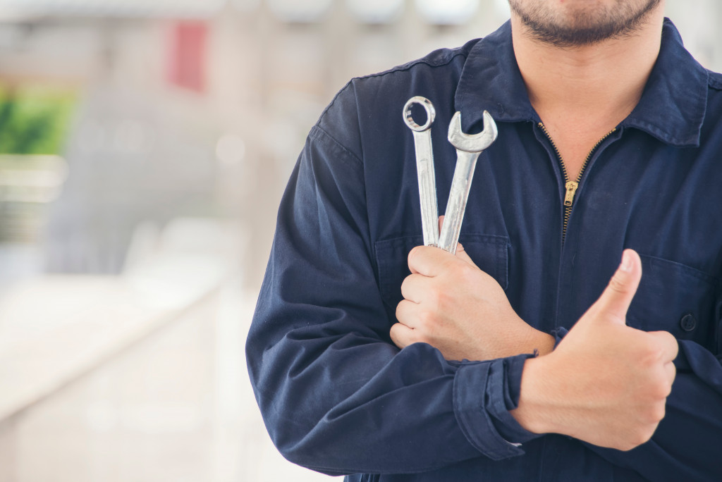 Auto mechanic holding tools